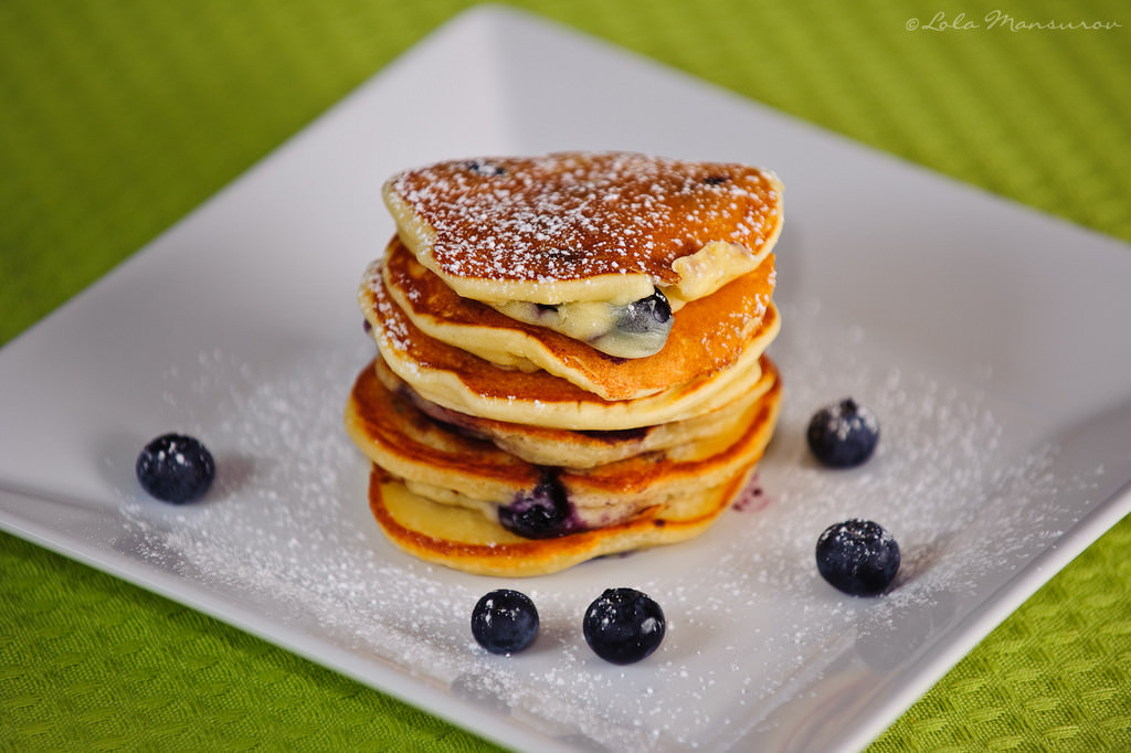 how to make blueberry pancakes with pancake mix