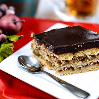 Chocolate Meringue Walnut Cake-17